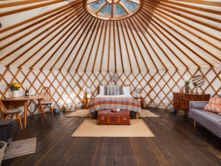 Larch Yurt bed, the yurt retreat, Glamping bedroom