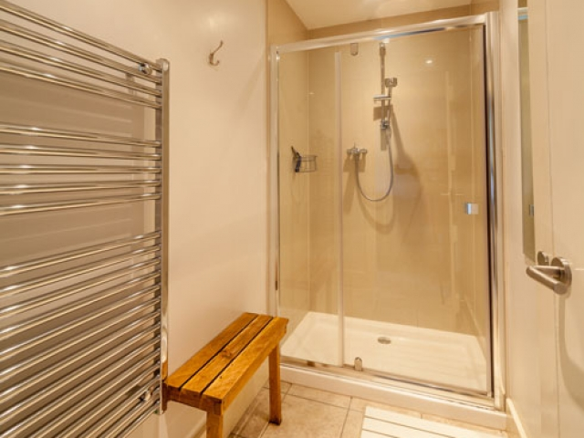 Lodge Shower Room