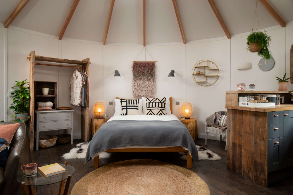 Roundhouse, Rotunda, Bedroom, Glamping, Yurt Retreat, Camping, BoHo